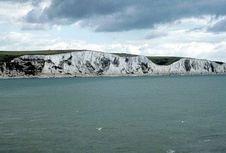 Seorang Pria Tewas Saat Berenang Menyeberangi Selat Inggris