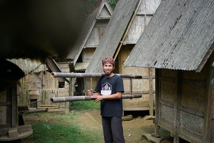 Ruhandi, Kepala Desa Warungbanten, Kabupaten Lebak, penerima Apresiasi Ikon Prestasi Pancasila Tahun 2020 dari Badan Pembinaan Ideologi Pancasila. Senin (22/6/2020).