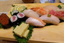 Amankah Konsumsi Sushi Saat Hamil?