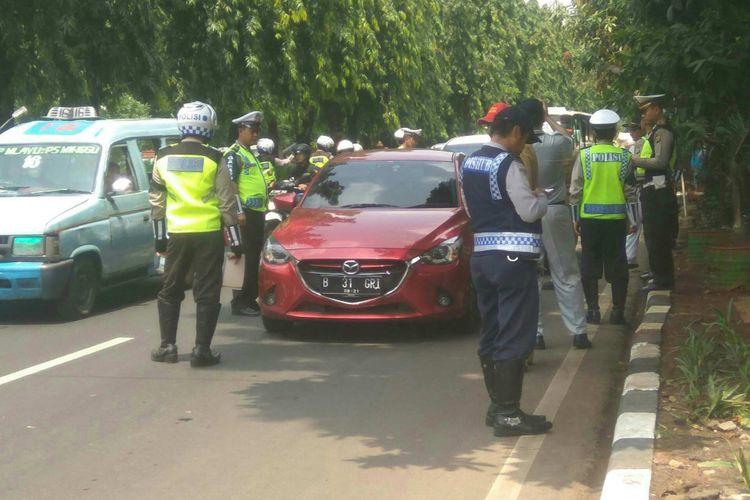 Razia mobil di Jalan TMP Kalibata, Jakarta Selatan, Selasa (3/10/2017).