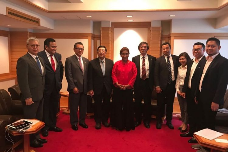 Menteri Kelautan dan Perikanan Susi Pudjiastuti bertemu dengan sejumlah pengusaha asal Jepang beberapa waktu lalu.