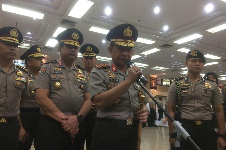 Kepala Polri Jenderal Pol Tito Karnavian memberikan arahan dan pesan kepada enam Kepala Kepolisian Daerah (Kapolda) yang baru saja dilantik di Ruang rupatama, Mabes Polri, Jakarta, Senin(20/8/2018).