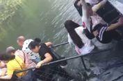 Gara-gara 1 Turis 'Selfie', Sebuah Jembatan di China Ambruk