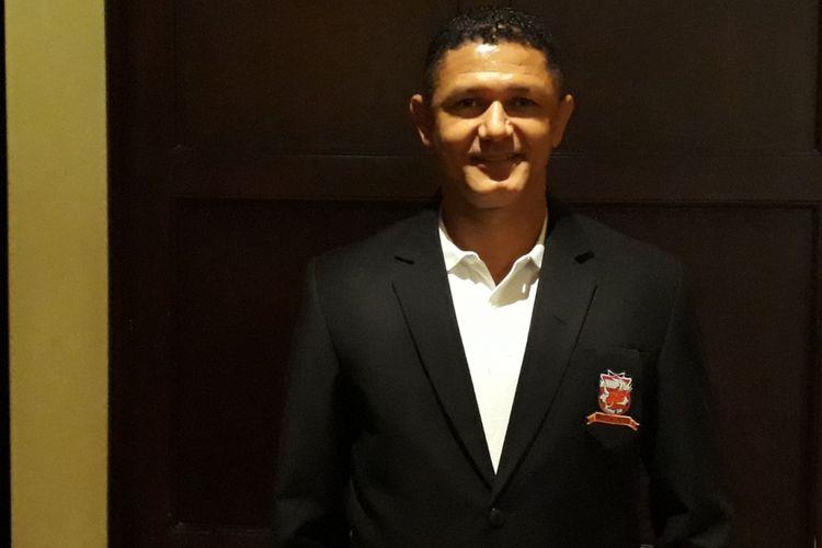 Pelatih Madura United, Gomes de Oliveira, hadir pada acara launching tim di Hotel Shangrila, Surabaya, Rabu (10/1/2018).