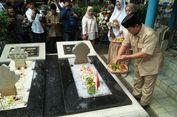 Prabowo Ziarah ke Makam Jendral M Yusuf dan Pangeran Diponegoro
