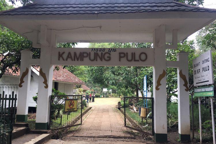 Kampung Pulo merupakan kampung adat di kompleks Candi Cangkuang, Desa Cangkuang, Kecamatan Leles, Kabupaten Garut, Jawa Barat, Sabtu (13/1/2018).