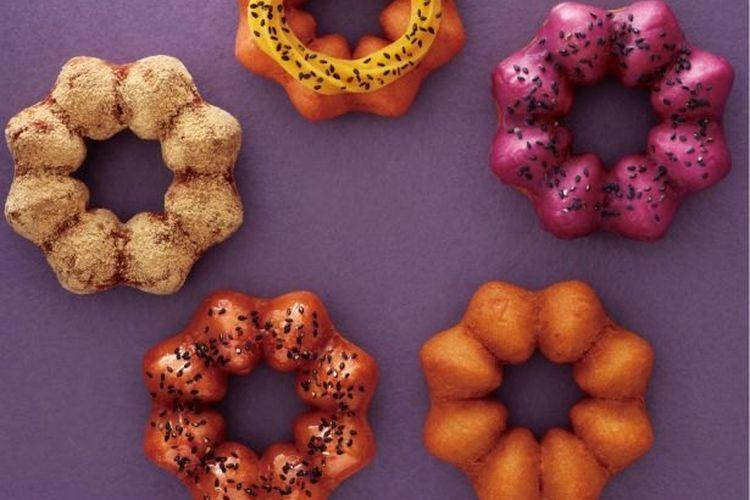 "Mister Donuts Jepang menghadirkan lima kuliner donat baru dengan nama serial ""Satsuma-imo Do"" yang dijual dari 6 September 2019 lalu."