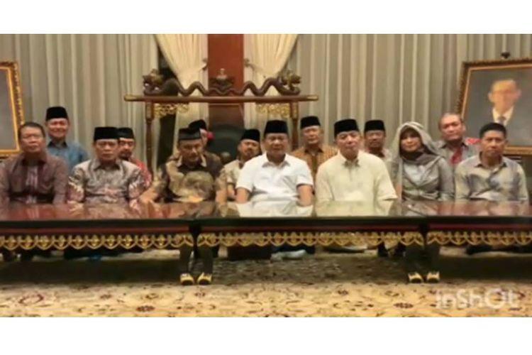 Prabowo Subianto menyampaikan pesan kepada para pendukungnya melalui video.