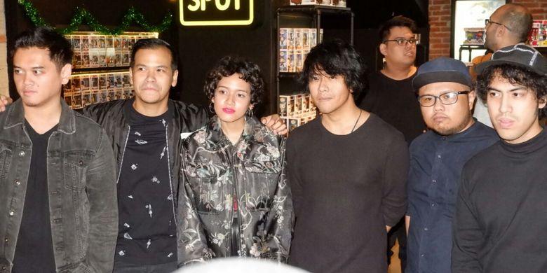 NEV Plus dan Dea Dalila saat ditemui usai jumpa pers LAFFestival di CGV Blitz, Grand Indonesia, Jakarta Pusat, Rabu (17/1/2018).
