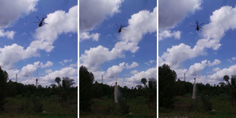 Helikopter Superpuma APP Sinarmas dalam simulasi penanggulangan kebakaran di Sungai Tapah, Kabupaten Tanjung Jabung Barat, Jambi, Kamis (3/5/2018.