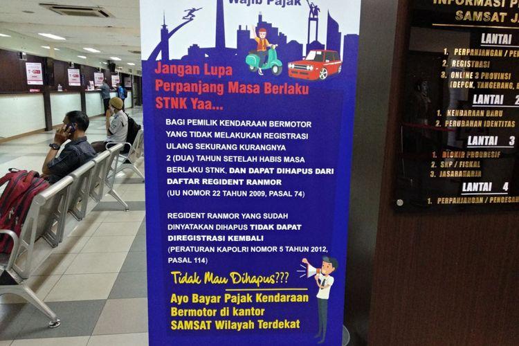 Banner pengumuman peraturan penghapusan STNK