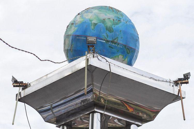 Rekreasi ke Titik Nol Derajat Taman Wisata Equator
