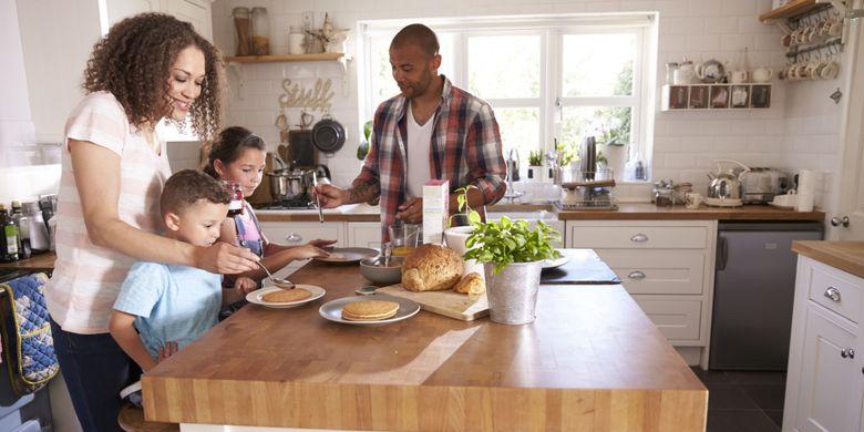 Ilustrasi interaksi keluarga di dapur yang nyaman