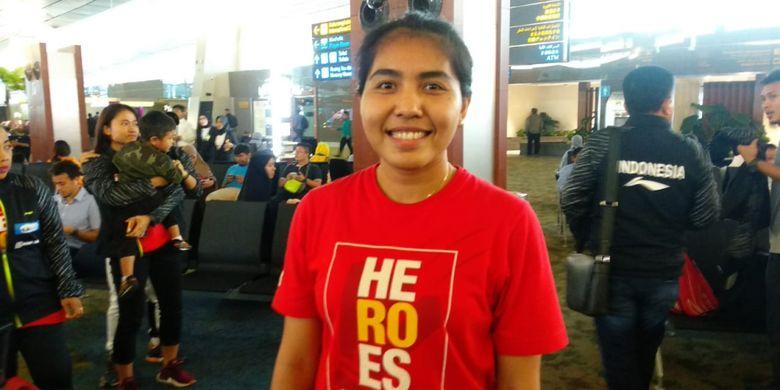 Pebulu tangkis ganda putri nasional, Nitya Krishinda Maheswari, saat ditemui di Bandara Soekarno-Hatta, Tangerang, Rabu (16/5/2018).
