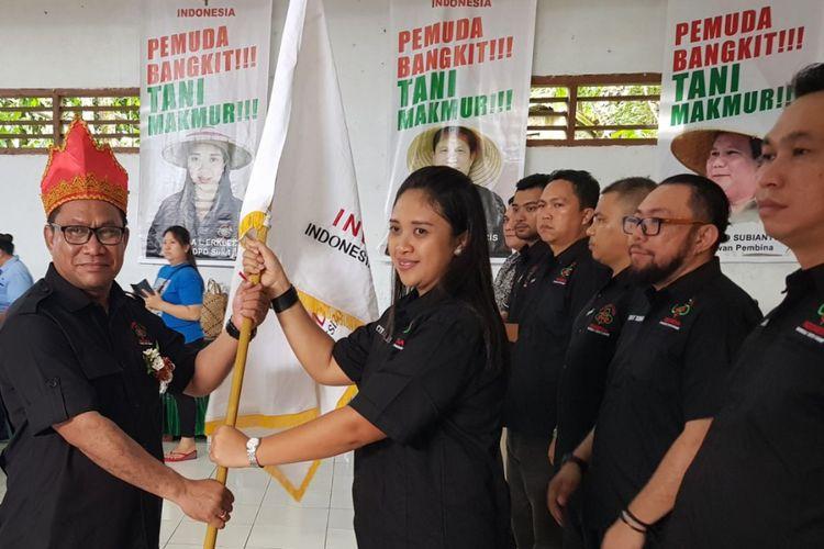 Ketua Umum DPP Pemuda Tani Indonesia Fary Djemi Francis Melantik Ketua DPD Pemuda Tani Indonesia Provinsi Sulawesi Utara Periode 2018 ? 2023 Cynthia Erkles