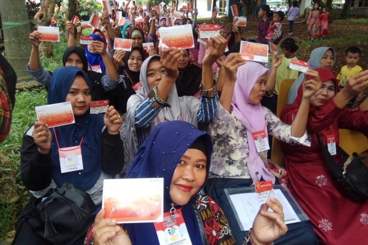 Warga Depok Antusias Terima Bantuan PKH di Graha Insan Cita (GIC), Sukmajaya,  Depok
