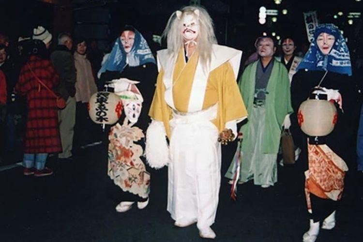 Acara ini berlangsung setiap tahun pada Malam Tahun Baru.