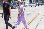 Tampilan Nyentrik Justin Bieber, Padukan Rolex Emas dan Pakaian Ungu