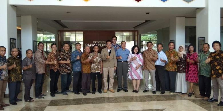 Alumni Sekolah Pascasarjana Energi Terbarukan Universitas Darma Persada (Unsada) meresmikan pembentukan Ikatan Alumni Energi Terbarukan (Ilunet). Deklarasi ini disaksikan oleh Rektor Unsada Dadang Solihin dan Direktur Sekolah Pascasarjana Energi Terbarukan Kamaruddin Abdullah pada Sabtu (1/9/2018).
