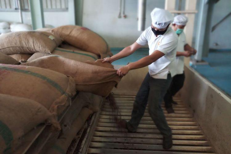 PT KKI mengekpor cocoa butter Kendari ke Belanda dengan volume total 300 ton yang dikirim dalam tiga fase