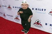 Verne Troyer, Pemeran Mini-Me di film Austin Powers, Meninggal Dunia