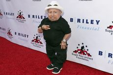 Verne Troyer, Pemeran Mini-Me di film Austin Powers, Meninggal Dunia
