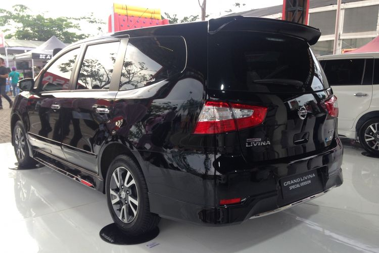 Nissan Grand Livina Special Version.