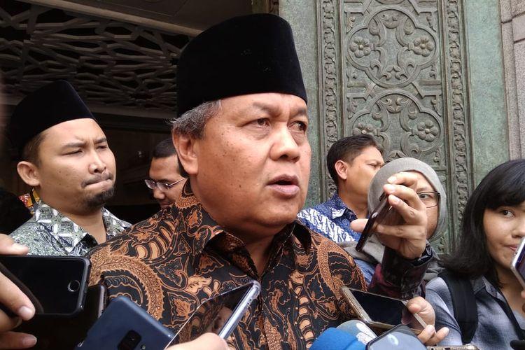 Gubernur Bank Indonesia Perry Warjiyo dalam wawancara di Komplek Masjid BI, Jumat (22/3/2019)