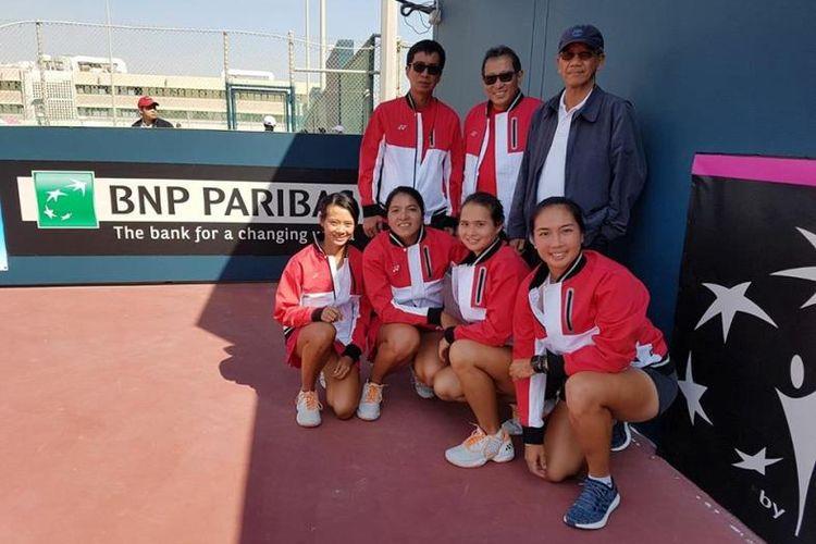 Tim Fed Cup Indonesia bersama Dubes RI di Bahrain,  Nur Syahrir Rahardjo.