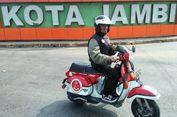Rayakan Kemerdekaan RI, Pria Ini Naik Vespa dari Padang ke Bali