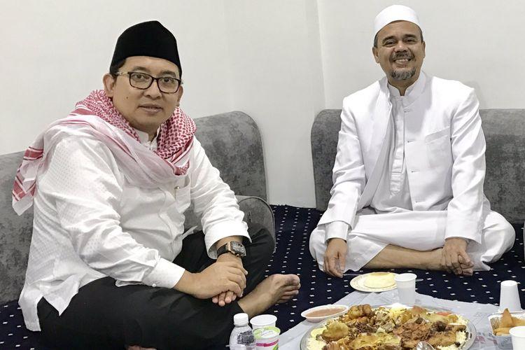 Wakil Ketua DPR RI Fadli Zon bersantap malam dengan Rizieq Syihab di sela-sela kunjungan ke Mekah meninjau persiapan haji Indonesia, Jakarta, Selasa (22/8/2017).