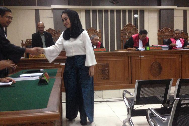 Divonis 5 Tahun Penjara, Wali Kota Non-aktif Tegal Menangis
