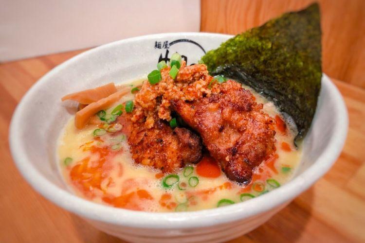 Spicy Fried Chicken Ramen seharga 1.380 yen.