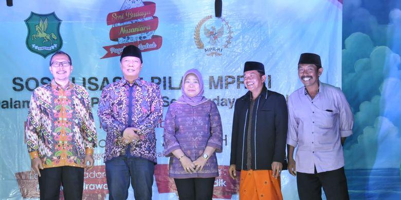 MPR RI mengadakan pertunjukan Ludruk dengan lakon ?Legenda Sumenep? untuk menyosialisasikan Empat Pilar MPR di Desa Juluk, Kecamatan Saronggi, Kabupaten Sumenep, Jawa Timur, Sabtu (20/7/2019).