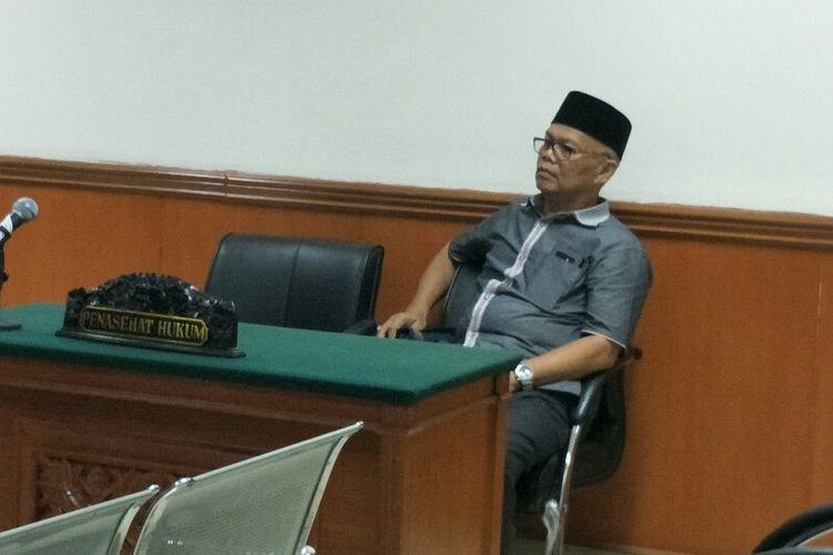 Caleg Gerindra sekaligus anggota Komisi E DPRD DKI Jakarta, Mohammad Arief dalam sidang atas kasus pelanggaran kampanye di Pengadilan Negeri Jakarta Barat pada Selasa (4/12/2018).