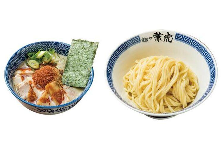 Karakara Tsukemen yang populer berisi minyak ikan bonito dan bubuk ikan yang pedas memiliki rasa seafood yang kuat.