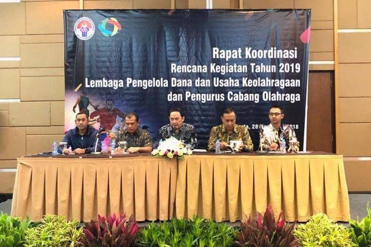 Guna memetakan potensi sekaligus menyusun rencana kerja mewujudkan industri olahraga kedepan, LPDUK yang berstatus Badan Layanan Umum (BLU), melakukan Rapat Koordinasi Rencana Kegiatan Tahun 2019 antara LPDUK dan Pengurus Cabang Olahraga yang digelar Hotel Santika Premier Jakarta, Rabu (28/11).