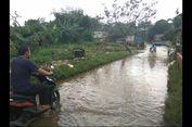 Hujan dan Kali Pesanggrahan Tersumbat Sampah, Jalan Penghubung Sawangan-Cipayung Sering Banjir