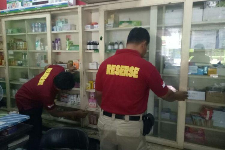 Satuan Reserse Narkoba Polres Grobogan menyisir sejumlah apotek yang beroperasi di wilayah Kota Purwodadi, Minggu (17/9/2017).