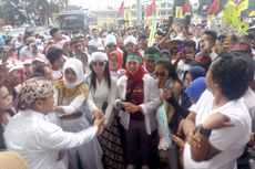 Yenny Wahid dan Anggota Rumah Pergerakan Gus Dur Ramaikan Kampanye Jokowi di GBK