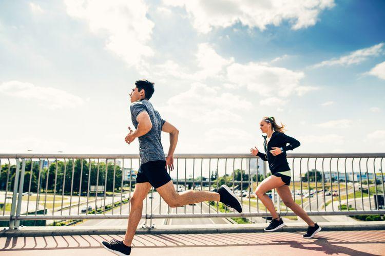 Ilustrasi pasangan berlari
