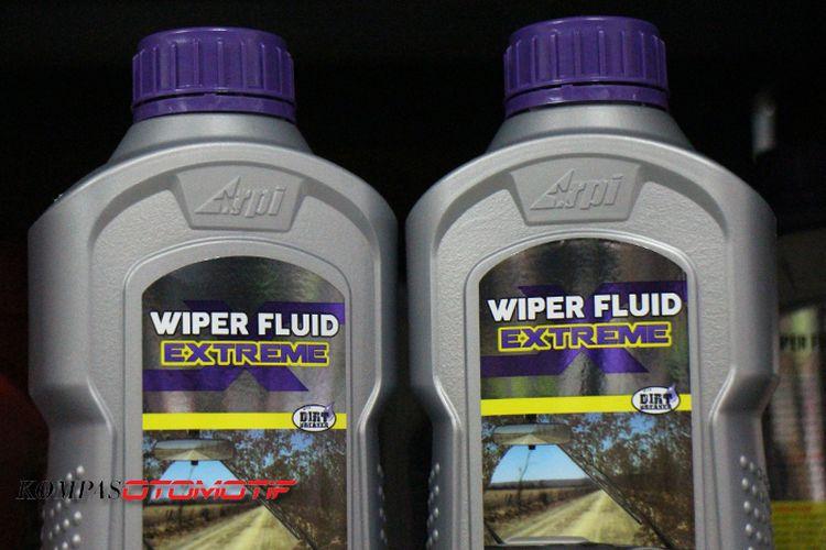 Salah satu contoh cairan khusus wiper