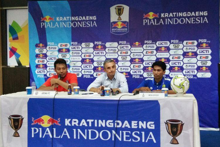 Kapten Arema FC Hamka Hamzah saat hadir dalam konferensi pers usai laga kontra Persib di Stadion Si Jalak Harupat, Kabupaten Bandung, Senin (18/2/2019).