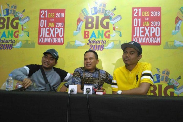 (Dari kiri ke kanan) Para personel grup musik WALI, Tomi, Faank, dan Ovie saat ditemui sebelum tampil dalam acara Big Bang Jakarta di Jiexpo, Kemayoran, Jakarta Pusat, Sabtu (28/12/2018) malam.
