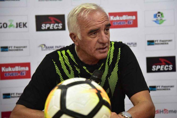 Pelatih Persib Bandung, Mario Gomez.
