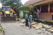 Isak Tangis Iringi Pemakaman Siswa SMA yang Tewas akibat Tembok Roboh