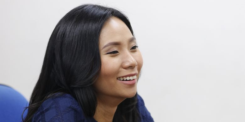 Sutradara film Hollywood, AS, dari Indonesia Livi Zheng, saat mengunjungi kantor redaksi Kompas.com di Jakarta, Selasa (5/9/2017). Ia tengah memproduksi film dokumenter berjudul Bali Beats of Paradise yang bercerita tentang maestro gamelan Bali, I Nyoman Wenten.
