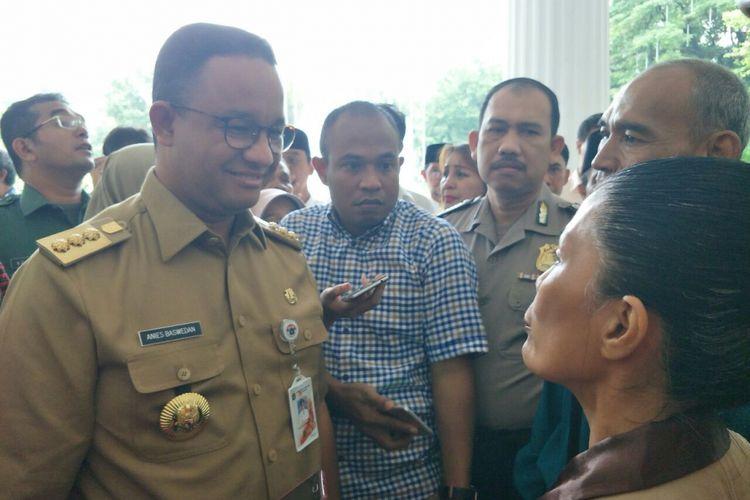 Gubernur DKI Jakarta Anies Baswedan di Balai Kota DKI Jakarta, Jalan Medan Merdeka Selatan, Selasa (14/11/2017).