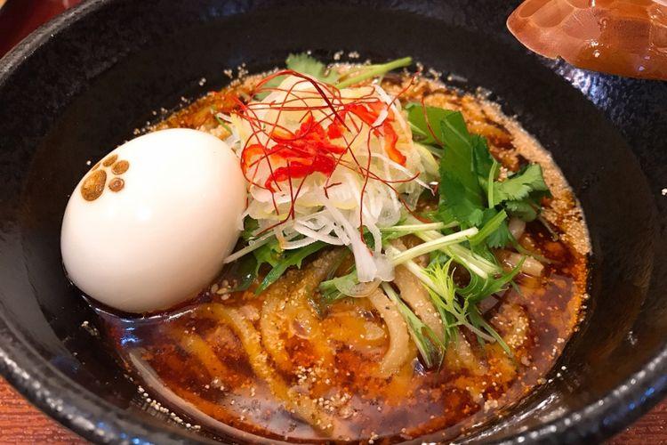 """""""Spicy Chicken and Sesame Ramen"""" seharga 850 yen"""