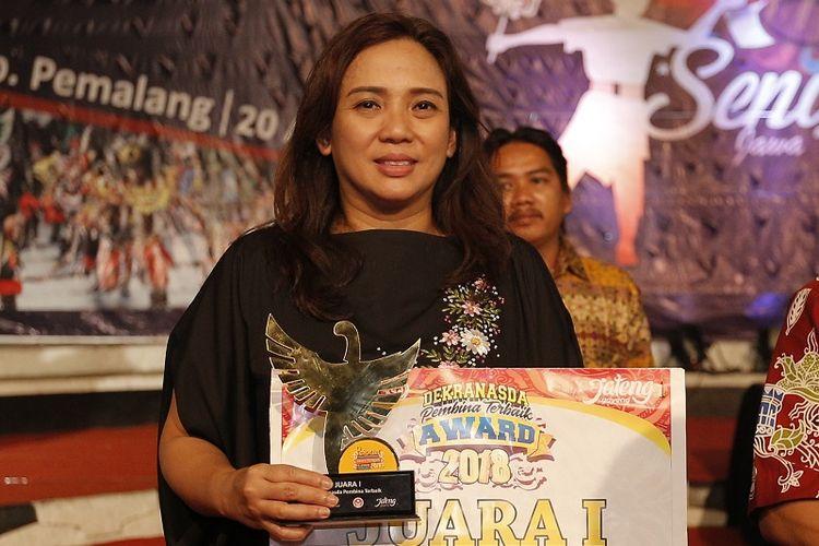 Istri Wali Kota Semarang Dinobatkan Sebagai Pembina Terbaik Dekranasda